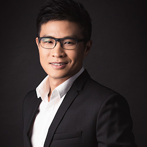 Dr Ambrose Yung Wai Yin, Sports medicine doctor, knee specialist singapore, knee doctor, knee replacement specialist, sports doctor, hip specialist
