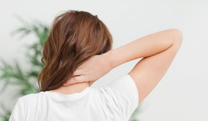 Sudden causes of neck pain without injury