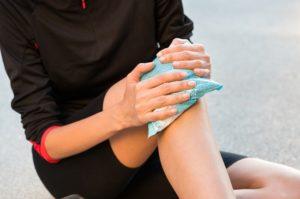 Causes swollen knee