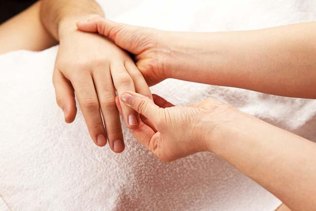 Swollen Finger Treatment
